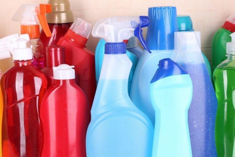 Relacionan químico para envases de plástico con sensación de dolor