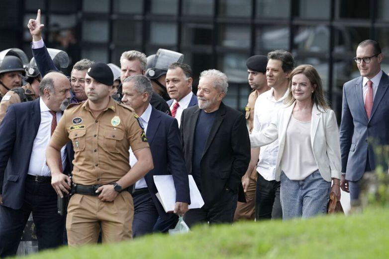 Liberan a ex presidente brasileño Lula