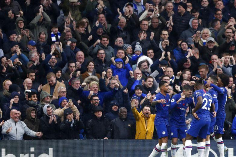 Pulisic anota y el Chelsea vuelve a ganar