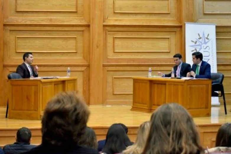 Ganan jóvenes de Juárez y Parral concurso de Debate Político