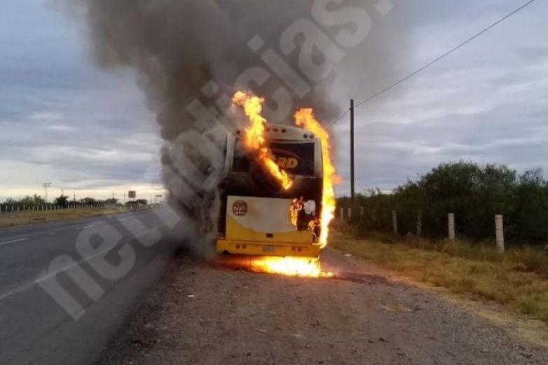 Se incendia autobús de pasajeros