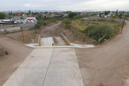 Inauguran encauzamiento de arroyo El Picacho