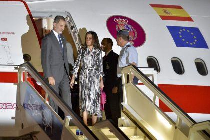 Reyes de España llegan a Cuba en visita de Estado