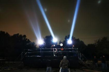 Fronterizos 'sintonizarán sus voces' a través de proyectores de luz