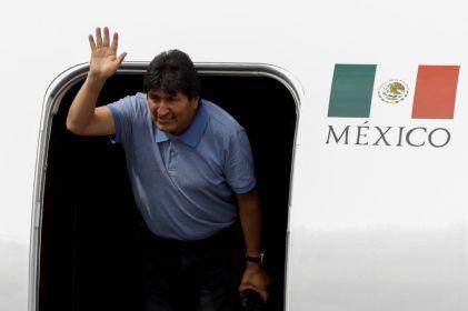 Abandona Evo México para ir a Cuba