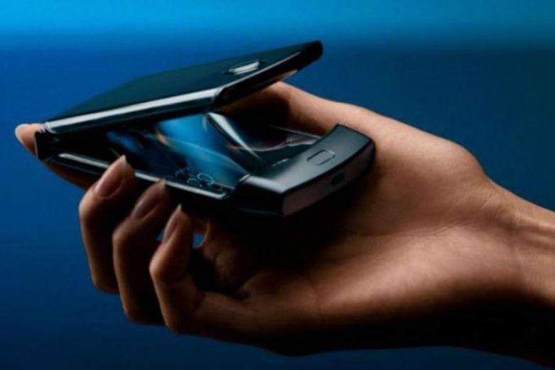Luego de 15 años ¡Regresa el icónico Motorola Razr!