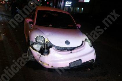 Se impacta con auto por ir a exceso de velocidad