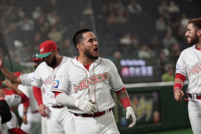Resultado de imagen para AMLO felicita a beisbolistas mexicanos por pase a Tokio 2020