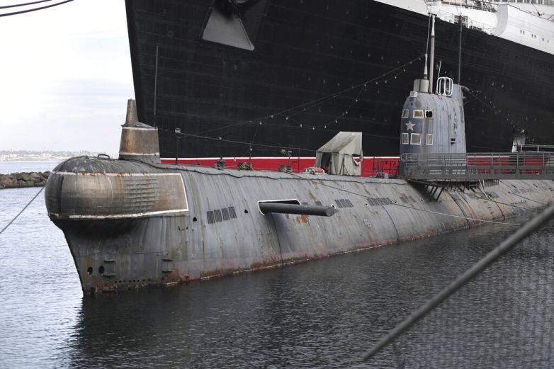 Ponen a la venta un antiguo submarino soviético en EU