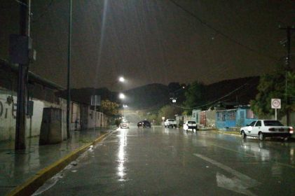 Iluminan colonia Puerto Anapra