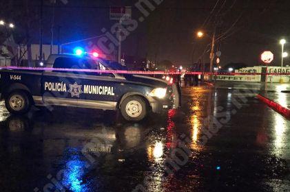 Atacan a policías en la Mesa Central; lesionan a una agente