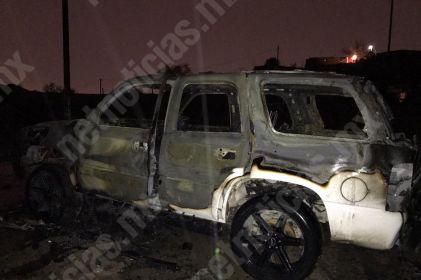Incendian camioneta en colonia Bella Provincia