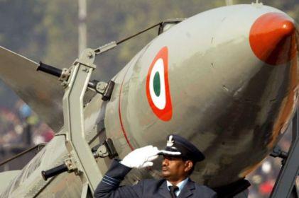 Lanza India con éxito 2 misiles con capacidad nuclear