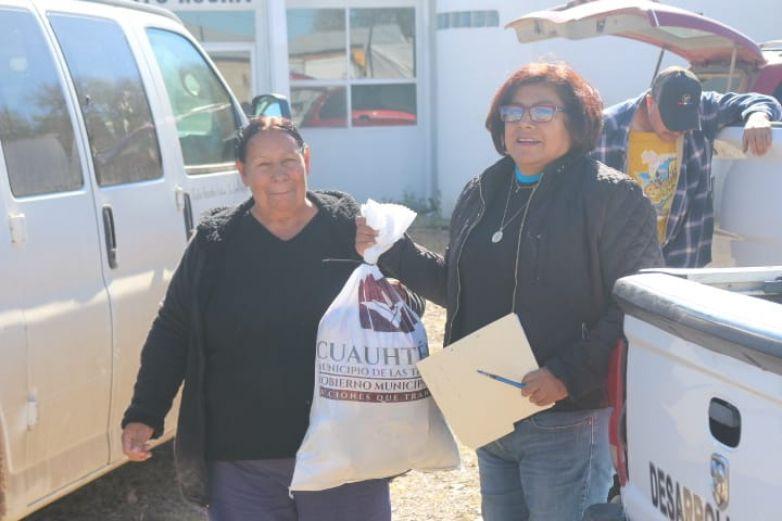 Donan apoyo alimenticio a familias de Cuauhtémoc
