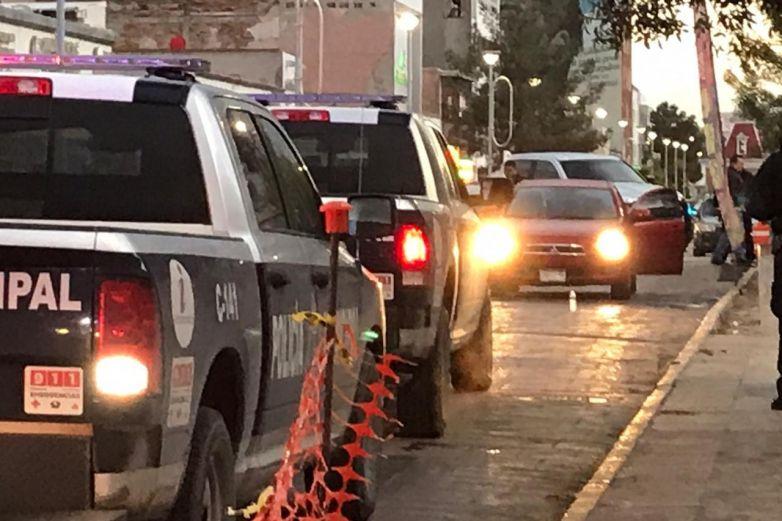 Desde auto dispararon contra estatales: Fiscalía