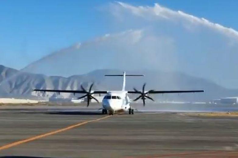 'Bautizan' nuevo vuelo de Saltillo a la CDMX