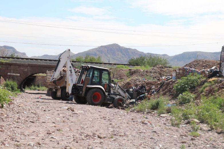 Retiran de arroyos más de 2 mil toneladas de basura