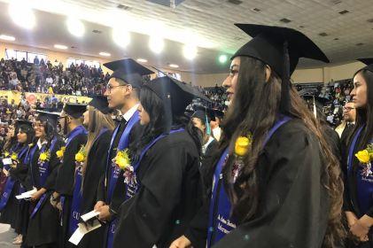 'Entrega' UACJ a 435 nuevos profesionistas