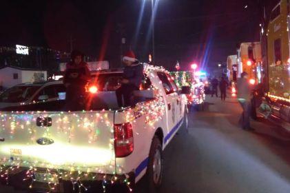 Con caravana de autos clásicos con luces apoyarán a 'Santa Bombero'