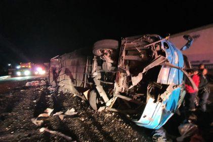 Suman 27 denuncias contra chofer de camión accidentado