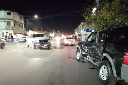 Guiador omite alto y provoca choque en la Hermanos Escobar