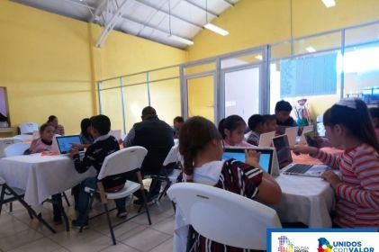 Acercan a menores al desarrollo tecnológico
