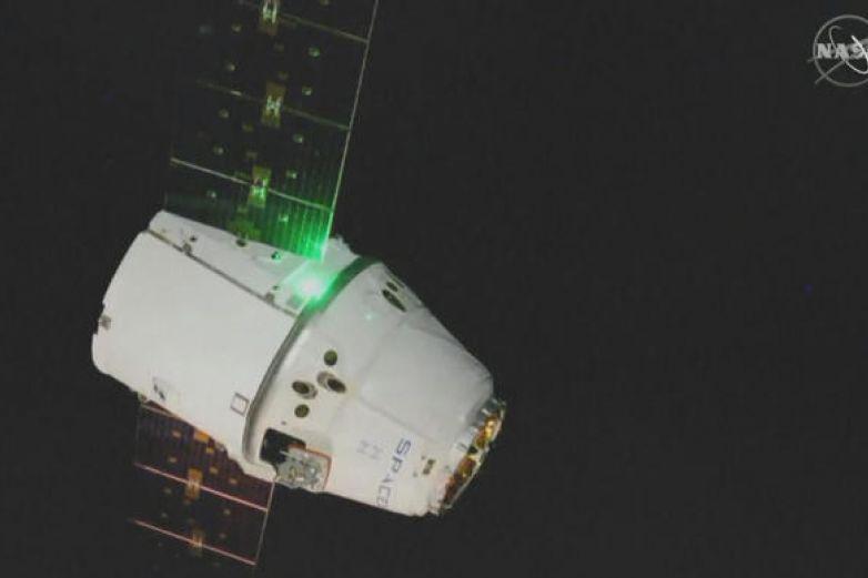 Arriba nave con regalos de Navidad y 40 'ratones' a Estación Espacial