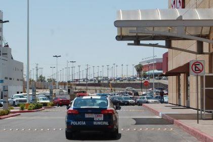 Piden no dejar objetos de valor en autos para evitar robos