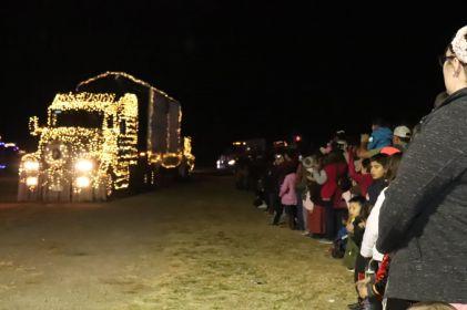 Realizan desfile navideño en Cuauhtémoc