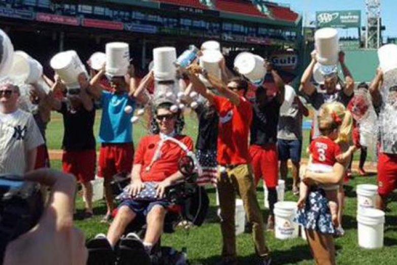 Muere Pete Frates, joven que inspiró el reto viral #IceBucketChallenge