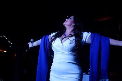 Azul: La Esencia de una Diva