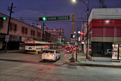 Llega a la Ramón Corona fila de autos en puente Santa Fe