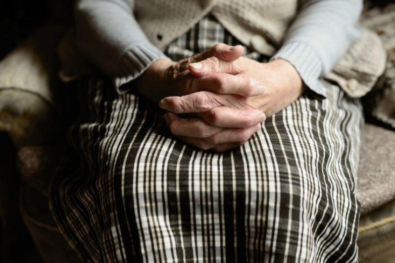Mujer mantiene 10 años congelado el cuerpo sin vida de su esposo