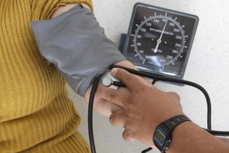 Medicamento para hipertensión ayuda a combatir daños por Covid: estudio