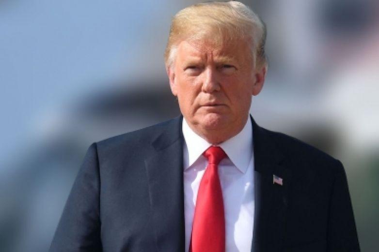 Abogados que investigaron a Clinton defenderán a Trump en juicio político