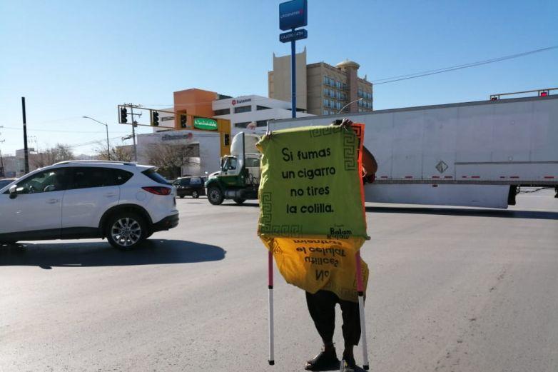 Artista urbano lanza un mensaje a los automovilistas