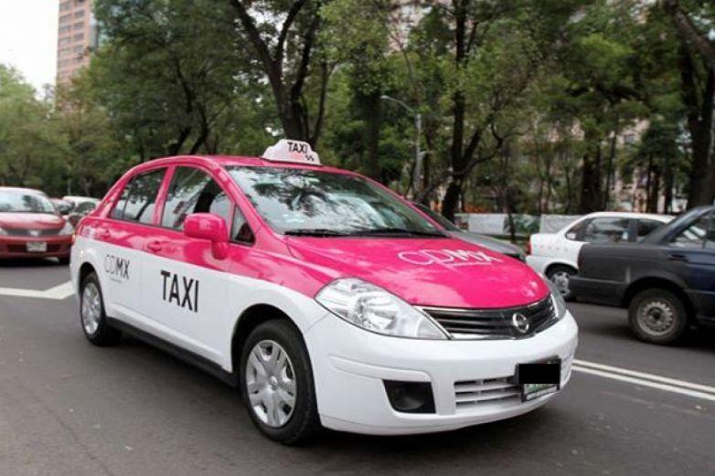 'Atrapa' taxista a mujer que trató de asaltarlo en Iztapalapa