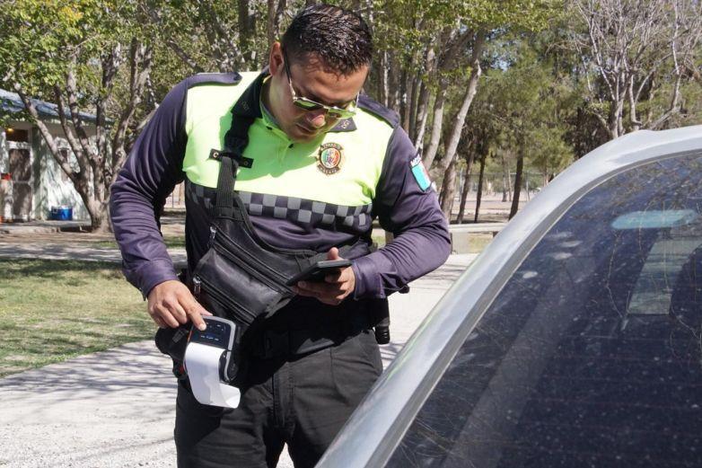 Sancionan agentes viales hasta 20 mil guiadores al mes
