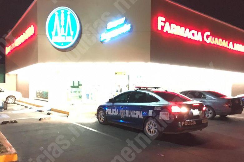 Roban 33 mil pesos de Farmacia Guadalajara