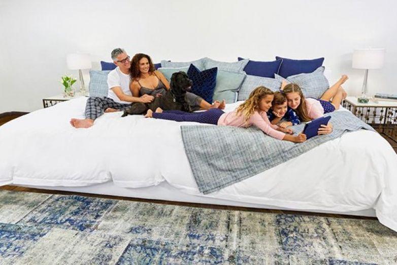 Sale a la venta la cama gigante donde cabe toda la familia