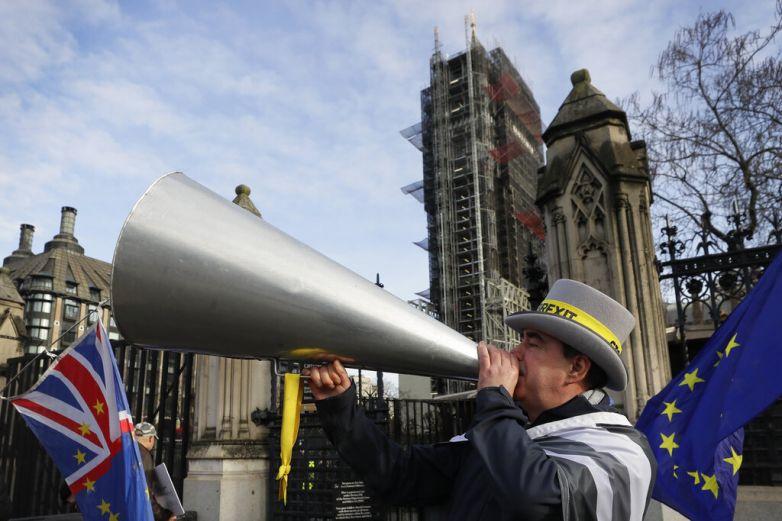 Londres celebrará el Brexit, advierte problemas en empresas