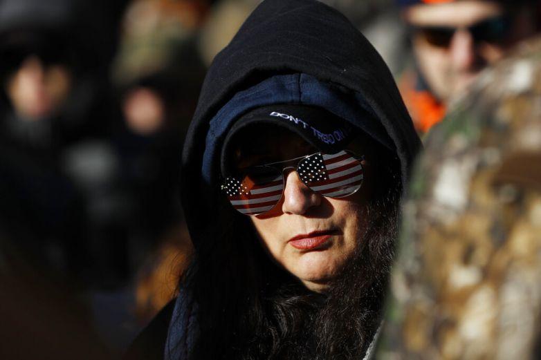 Aprueba Senado de Virginia ley de armas de fuego
