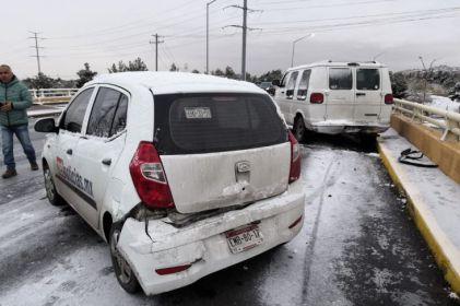 Nevada causa accidentes en Juárez