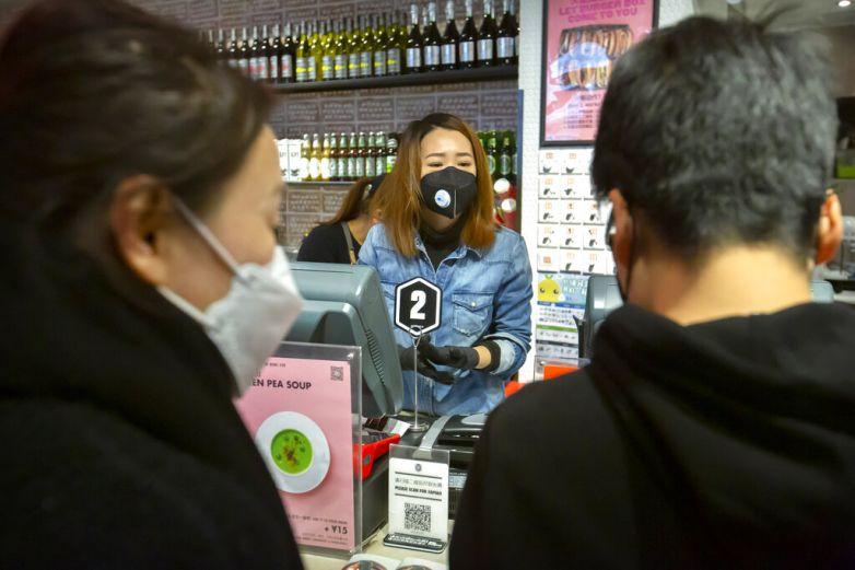 Reporta China 143 nuevos decesos por coronavirus