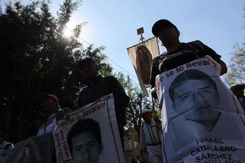 Padres de normalistas exigen castigo por represión en Chiapas