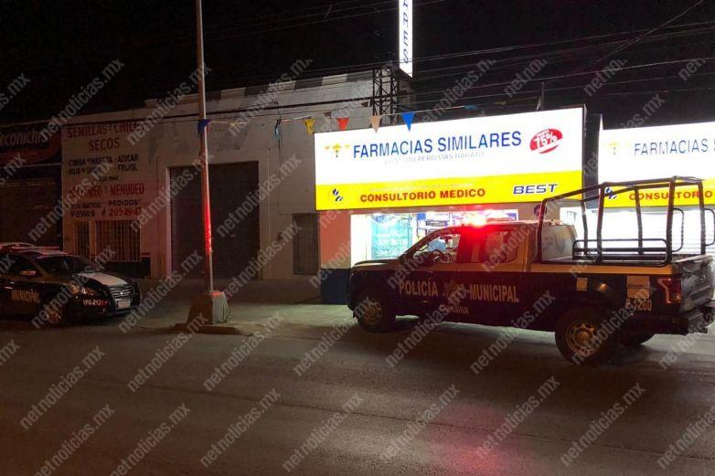 Asaltan farmacia; se llevan 19 mil pesos