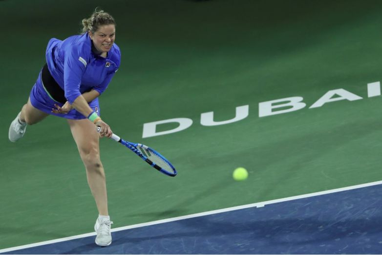 Clijsters vuelve al tenis y cae ante Muguruza en Dubai