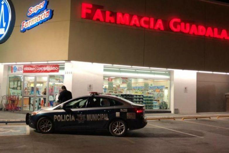 Roban 15 mil pesos de Farmacia Guadalajara