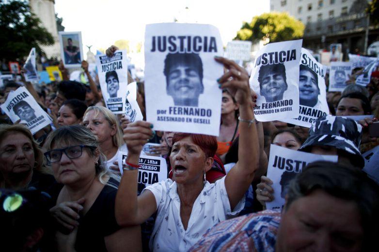 Miles protestan contra la violencia en Argentina
