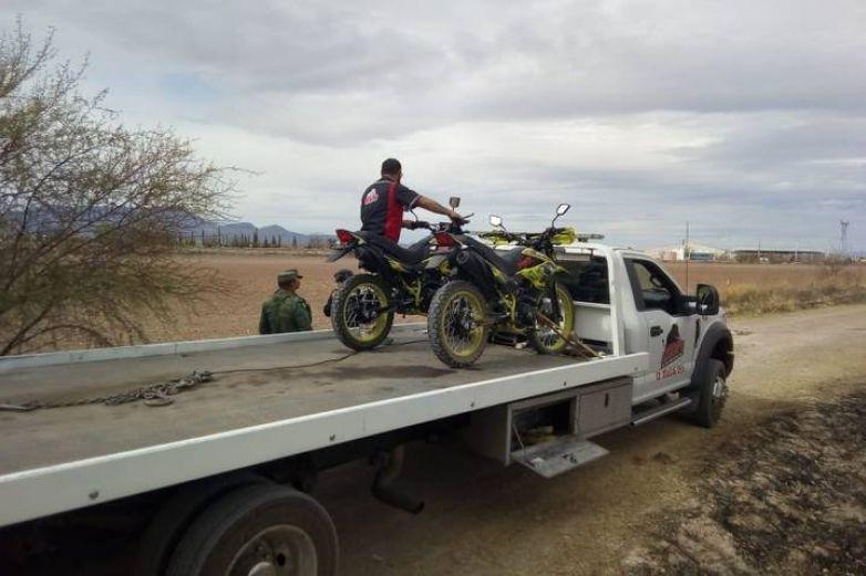 Aseguran medio kilo de marihuana a 2 motociclistas